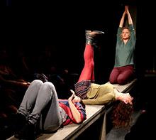 Foto: drei Frauen auf der Bühne